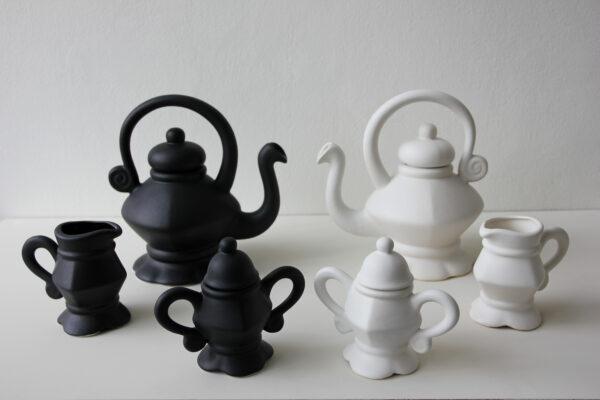 De Olde Kruyk Tea pots